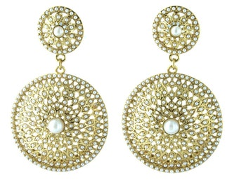 Beautiful pearl earrings with Gold