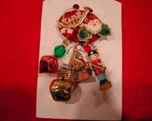 Vintage Santa Clause Pin, Christmas Brooch Pin, Jingle Bells Pin, Colorful Christmas Figurines Brooch, Estate Jewelry, Fashion Accessories