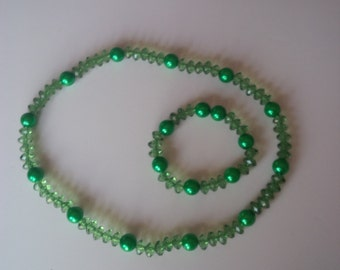 Green Beaded Jewelry Set   (#139)