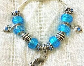 Blue Flip Flop Heart Charm Rhinestone Glass Bead Silver Plated Bracelet 7.5 Inches