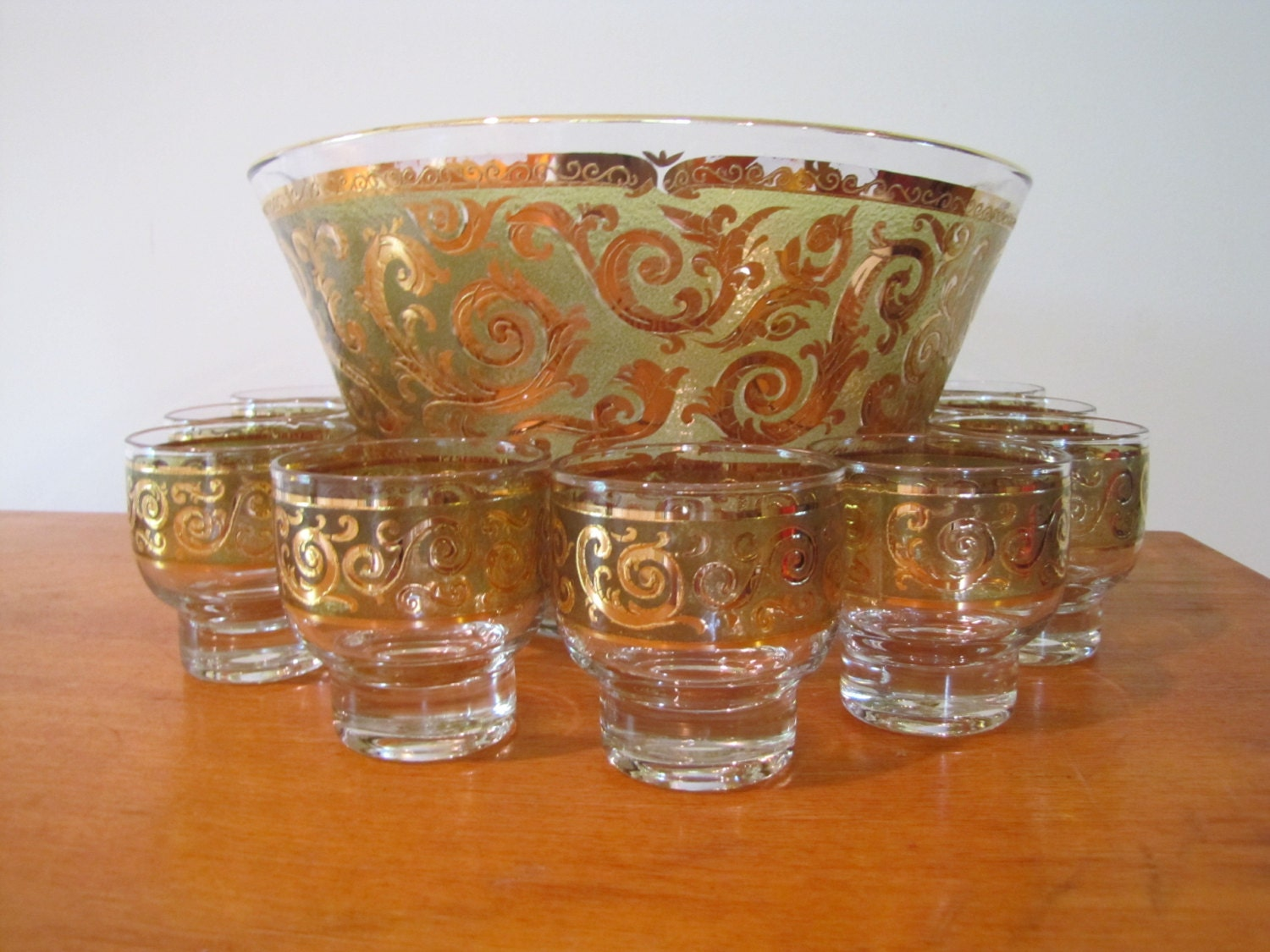 vintage culver 22k gold punch bowl set with 10 glasses mid. Black Bedroom Furniture Sets. Home Design Ideas