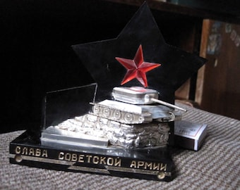 "Old big tank ""RED STAR"" ussr desktop SOUVENIR WW2 Russian Soviet Monument. Inscription : ""Glory to the Soviet Army""."