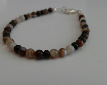 Bohemian Minimalism Highlighted with Earthy Tones of Brown Agate