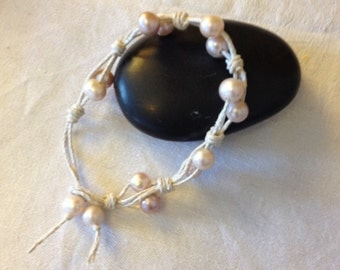 Hemp & pearls knotted bracelet