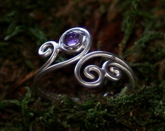 Filigree toe ring or finger ring with gemstone - amethyst