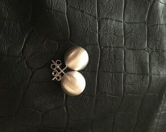 SPHERE earrings brushed silver