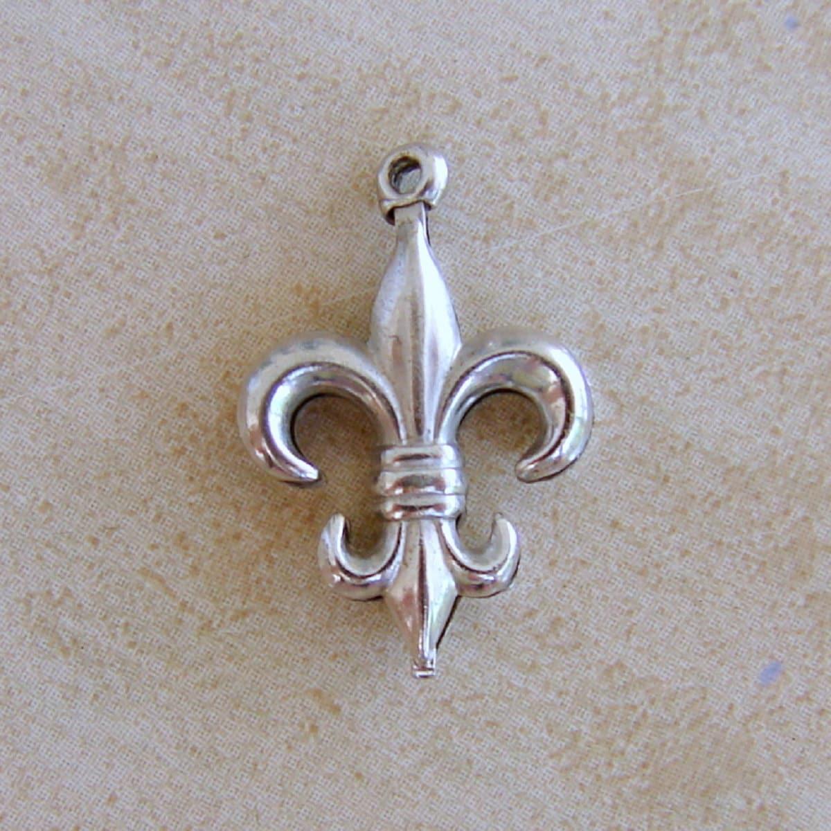 Fleur De Lis Charm Bracelet: Fleur De Lis Sterling Silver Puffy Bracelet Charm