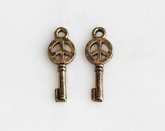P0-492-AB] Key / 8 x 23mm / Antique Brass plated / Pendant / 4 piece(s)