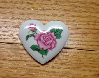Vintage Signed AVON Porcelain Rose in Heart Design Pin/Brooch