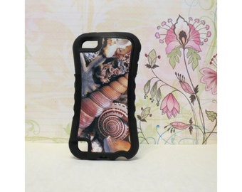 Sea Shells #1 - Rubber iPod Touch 5 (5th gen) Case