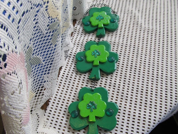 Shamrock st patrick day wood wall hanging wall decor home for Shamrock decorations home