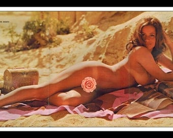 "Mature Playboy August 1972 : Playmate Centerfold Linda Summers Gatefold 3 Page Spread Photo Wall Art Decor 11"" x 23"""
