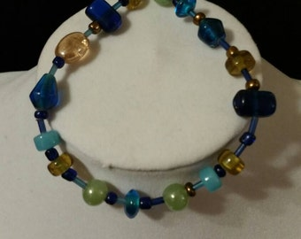Multicolored bead bracelet.