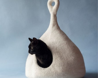 Pets bed / Cat bed - cat cave - cat house - eco-friendly handmade felted wool cat bed - natural white - cat cave
