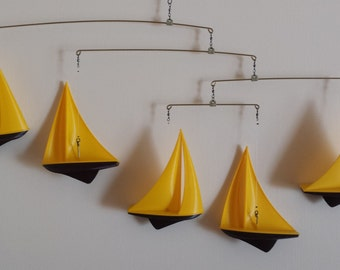 5 piece 3D printed sail boat mobile.
