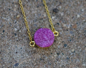 Gold Plated Quartz Crystal Necklace | Violet