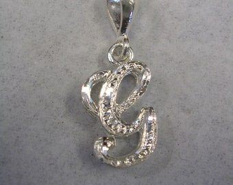 Letter G initial pendant charm in sterling silver