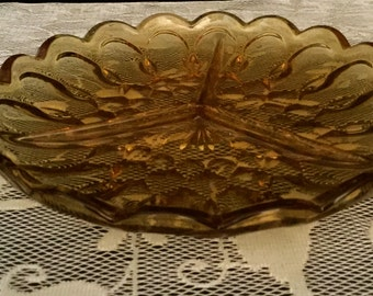 Amber Glass Divided Relish Dish                       VG1537