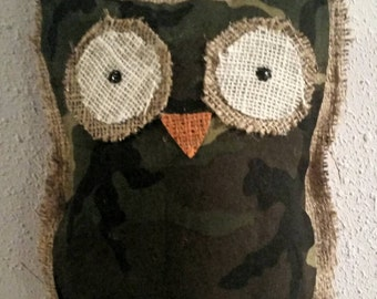 Camouflage burlap owl wall hanging