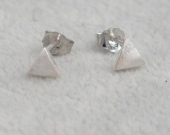 Tiny Triangle Geometry Stud Earrings in Sterling Silver Textured Finish e13