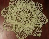 Home decor, crochet table topper, green handmade doily, crochet doily, wedding decor, crochet centerpiece, round doily, wedding table decor