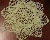 Home decor, crochet table topper, green handmade doily, crochet doily, wedding decor, crochet centerpiece, round doily, wedding table decor