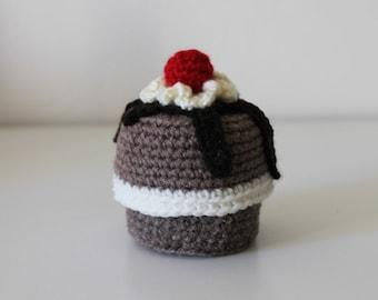 Cake box chocolate cherry muffin amigurumi
