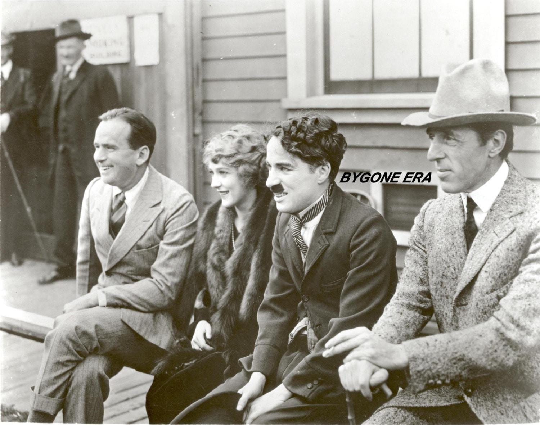 Charlie Chaplin Douglas Fairbanks Mary Pickford Hollywood