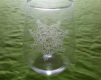 Etched Stemless Wine Glass. Henna Flower