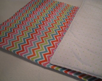 WIPEOFF CHANGING PAD -  Padded Chevron with green flannel