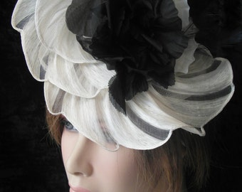White fascinator with silk flowers - white Bibi with silk flowers