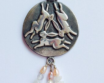 Triple Hare silver pendant with pearl and moonstone