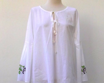 White embroidery blouse / White embrodeidered Blouse