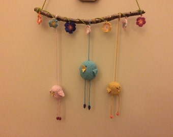 CREATOR CROCHET MOBILES/Chicks