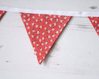 Red Daisy Bunting