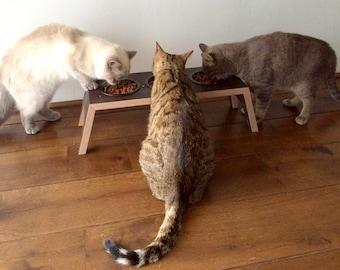 Triple bowl cat feeder