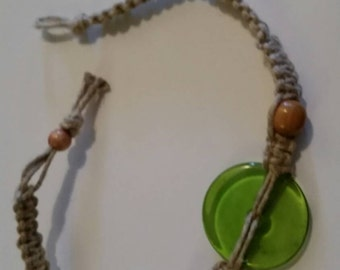 Green glass hemp necklace