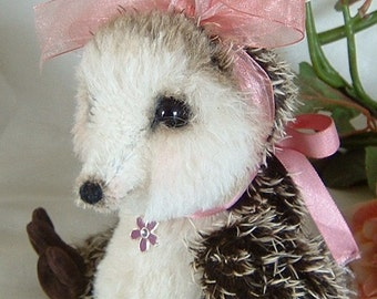 Penny, Ooak mohair artist echidna bear, Pattern, Alaine Ferreira, Bearflair. Christmas Sale