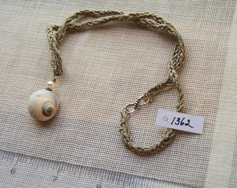 1362 Shell Necklace w/ Pearl