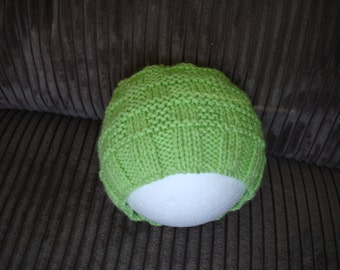 Baby Hat - Newborn to 3 months  - green  -  8ply  -  knitted