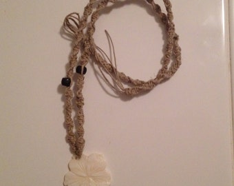 White Flower hemp necklace