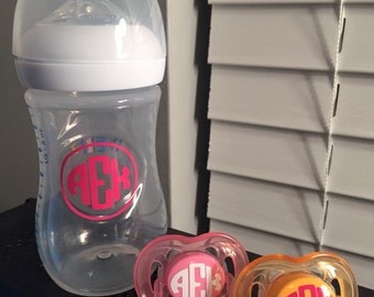 Bottle / Pacifer set monogrammed