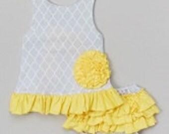 Yellow/Gray and White Quatrefoil Swingtop Set