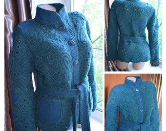knitted jacket with pockets and belt