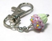 MADE TO ORDER:  Adorable & Sweet Lampwork Cupcake Planner Charm by Starlight Designs Choice of Colors! Keychain Zipper Charms Cupcake Charm