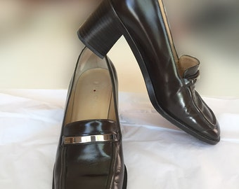 Vintage Gucci Stacked Heel Loafers 37 Dark Brown with Silver Bar. Original Dustbags and Box.