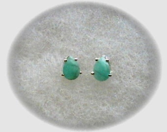 Genuine Columbian Emerald 6x4mm Gemstones in 925 Sterling Silver Stud Earrings