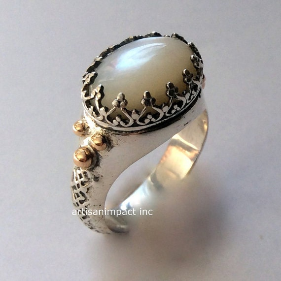 Shell Ring, Silver Ring, Gemstone ring, White stone Ring, crown Ring, boho Ring, hippie silver ring, engagement ring - I believe. R2052G