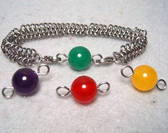 "Simple Switchable ""Materia"" Bracelet, stainless steel chainmaile and 12mm dyed jade beads"