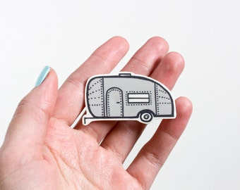 Airstream Trailer Brooch Pin / Travel Trailer / Vintage Camper / Retro Trailer / Novelty Pin / Trailer Illustration / Camper Trailer